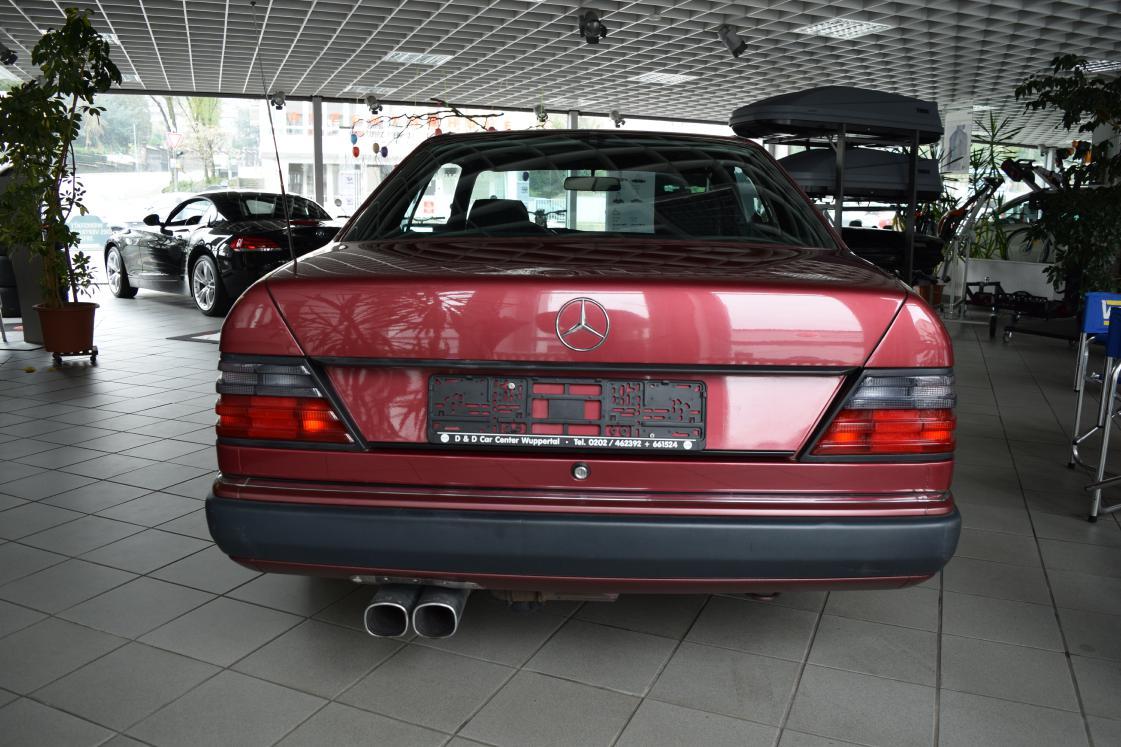 Mercedes-Benz 230 CE